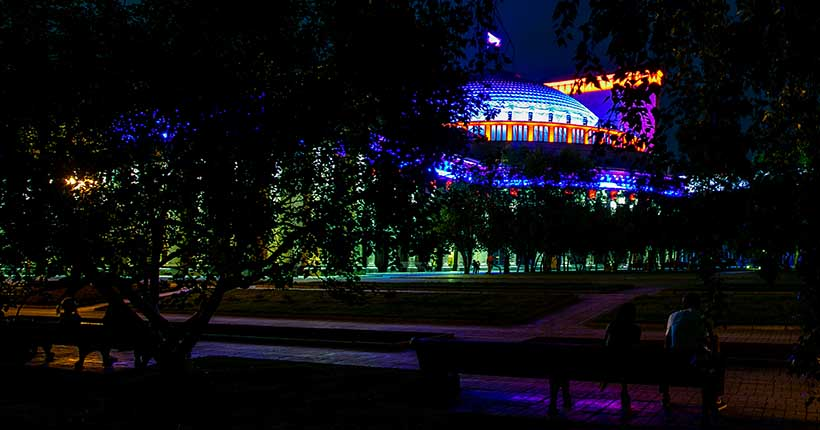 Мэр прокомментировал новую подсветку оперного театра в Новосибирске