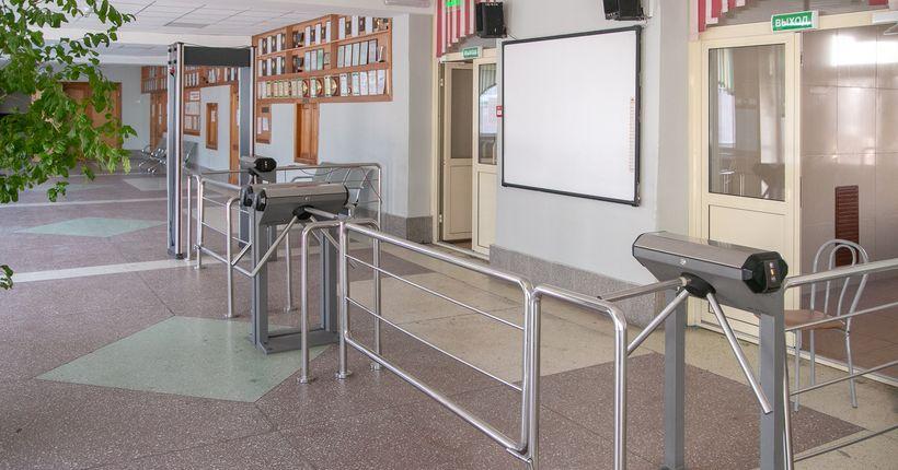 Учебный год в Новосибирской области закончится вовремя