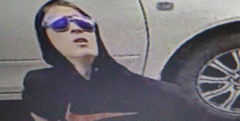 В Новосибирске разыскивают грабителя, отнявшего у женщины 86 тысяч