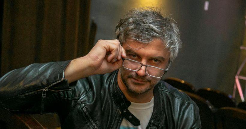 Защитить врачей больницы № 34 призывает главный режиссёр «Старого дома» Андрей Прикотенко