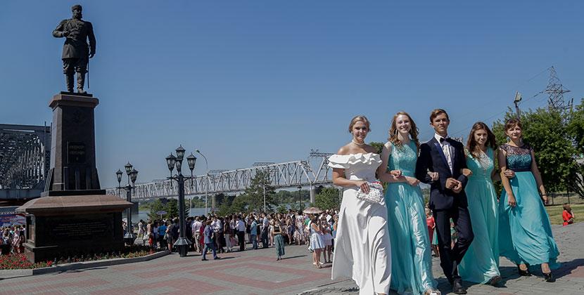 В Новосибирской области власти решили защитить выпускников от воды