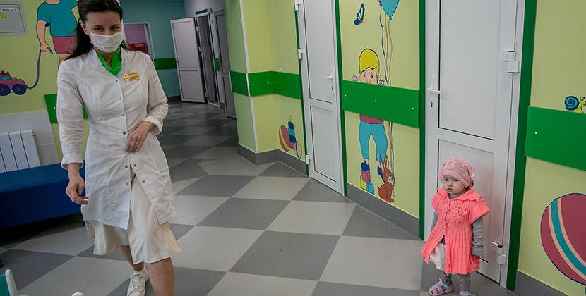В Центральном округе Новосибирска после капитального ремонта открылась детская поликлиника