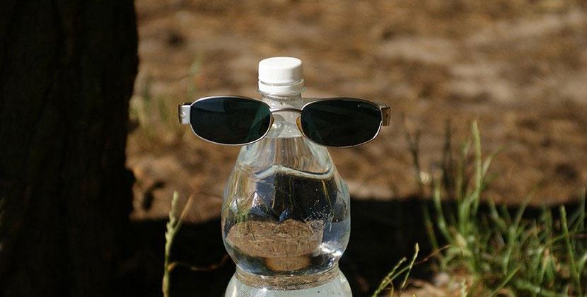 Надел на голову бутылку и ходил по магазину: в Новосибирске нарушают масочный режим