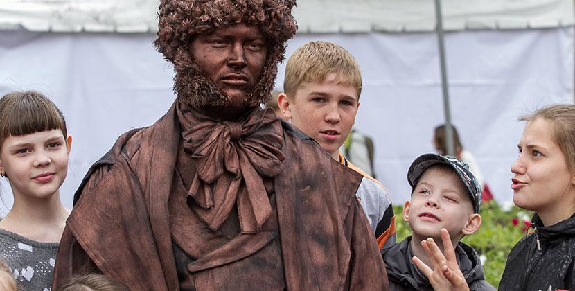 Пушкин в сети: жителей Новосибирска и области приглашают отметить день рождения поэта онлайн