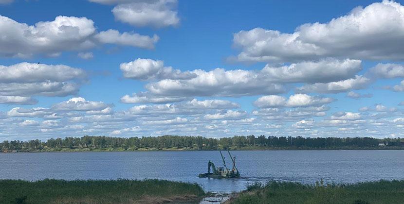 В Новосибирской области наводят порядок на озере Половинное