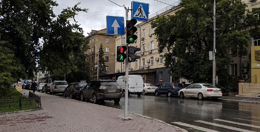 Новосибирцев беспокоят светофоры, которые работают во всех режимах одновременно