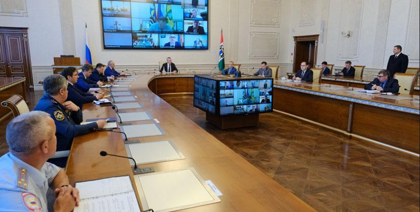 Губернатор Новосибирской области дал поручение подготовить предложения о возможном снижении ограничительных мер