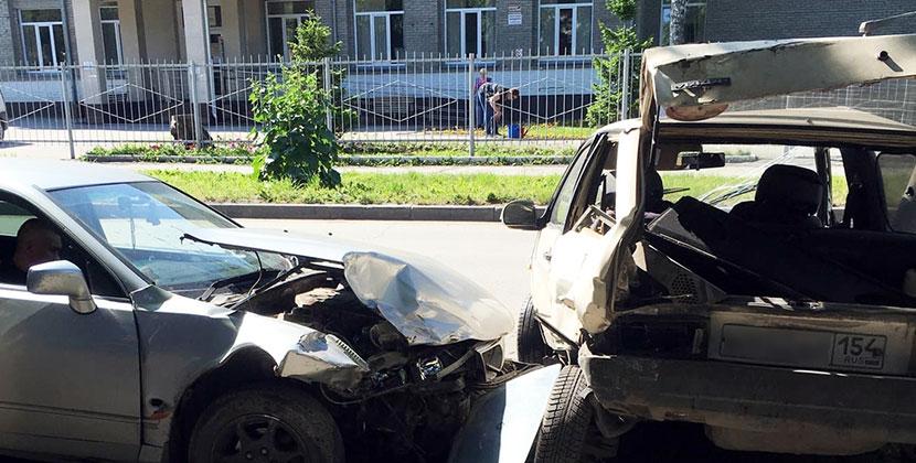 Пьяный водитель совершил ДТП в Новосибирске сразу с несколькими автомобилями