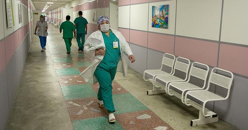 Количество умерших пациентов с коронавирусом достигло 55 в Новосибирской области
