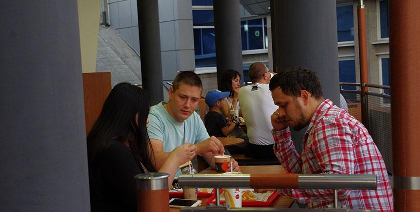 Торговые центры и общепит начнут работать в Новосибирской области в последнюю очередь
