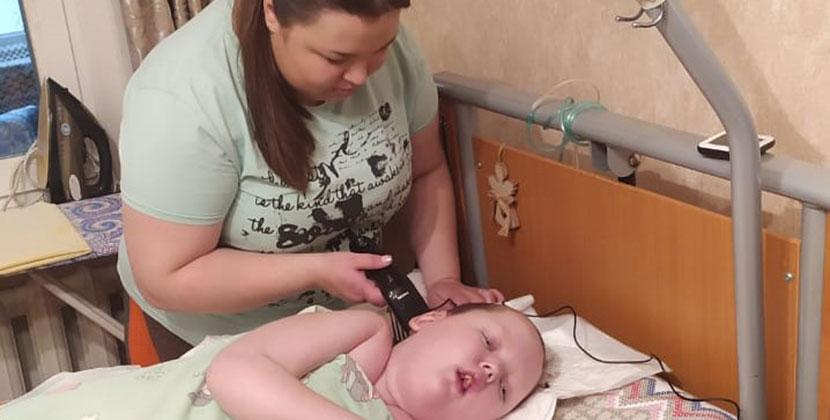 Фонд «Защити жизнь» собирает 288 000 рублей на оплату сиделок для детей со сложными диагнозами в Новосибирской области