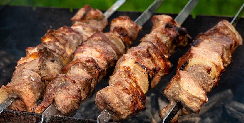 Мясные полуфабрикаты, колбаса и масло не прошли проверку в Новосибирской области