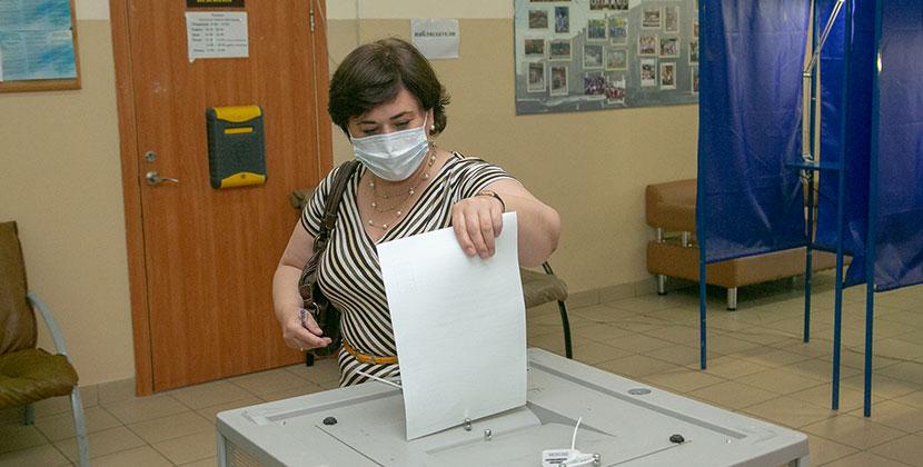 Стали известны предварительные данные по результатам голосования по поправкам в Конституцию РФ