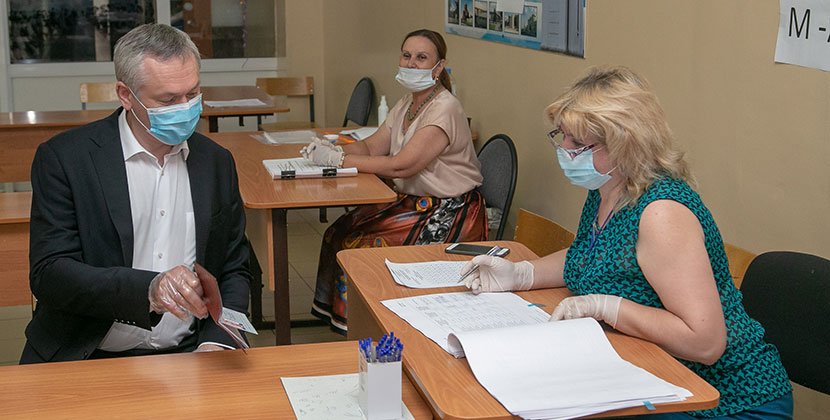 Губернатор Новосибирской области отметил, что отдельные моменты голосования можно использовать в будущем