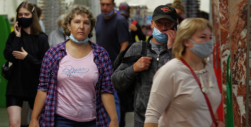 В Новосибирской области по-прежнему количество выявленных за сутки пациентов с СOVID-19 превышает сто человек