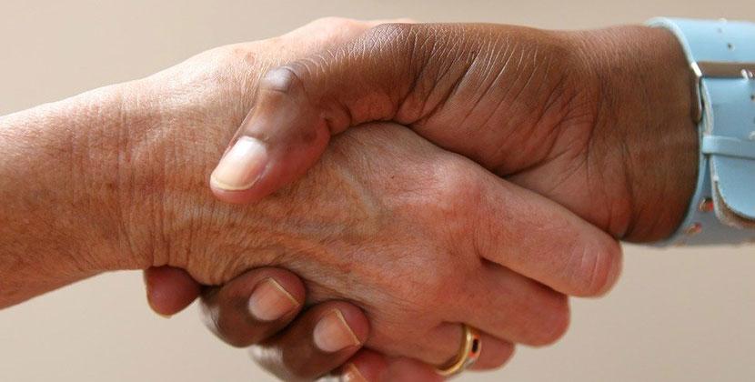 Специально обученные «психологи» вынуждали клиентов брать крупные кредиты на лечение в Новосибирске