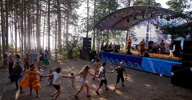 Старейший в России этнический фестиваль «Живая вода», родившийся в Новосибирске, перенесён на неопределённые даты