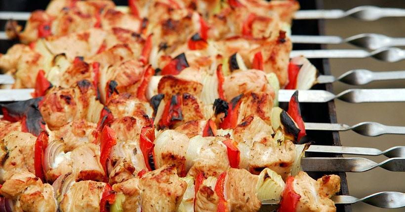 В Новосибирской области ежегодно более 30 человек получают травмы и ожоги при приготовлении шашлыка