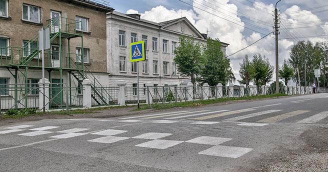 У 135 школ Новосибирска разметят и обновят пешеходные переходы