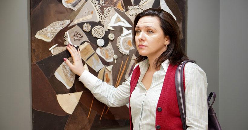 В Новосибирске открылась выставка «Чувство живописи» для незрячих и слабовидящих людей