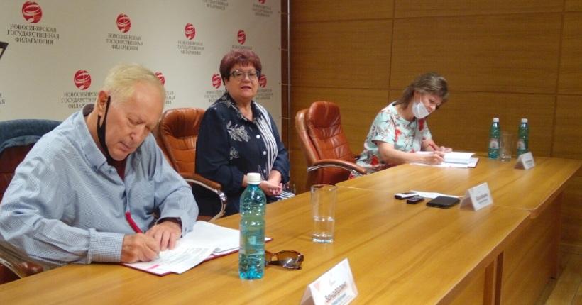 Томас Зандерлинг ещё на три года подписал контракт с Новосибирской филармонией