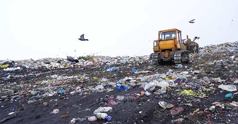 Мэр Новосибирска рассказал о ситуации с пожаром на мусорном полигоне
