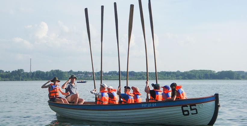 Две недели на шлюпке по Обскому морю пройдут участники агитпохода «Салют Победы»