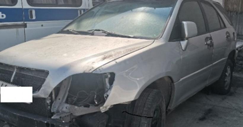 Жительница Новосибирского района продала чужой разбитый «Лексус RX 300»