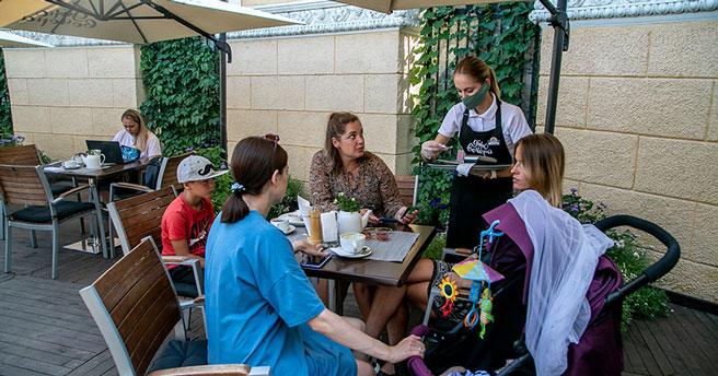 В Новосибирской области открылись рестораны, но проведение банкетов в них исключено