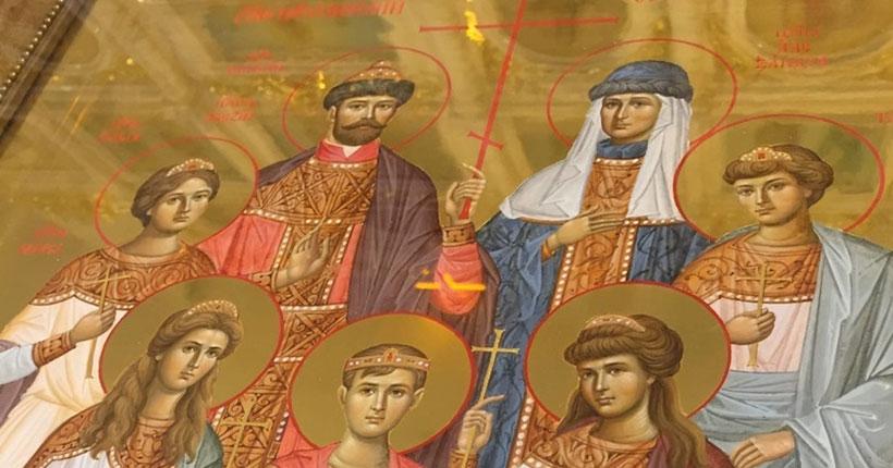 В Успенский храм Новосибирска доставлена икона святых царственных страстотерпцев