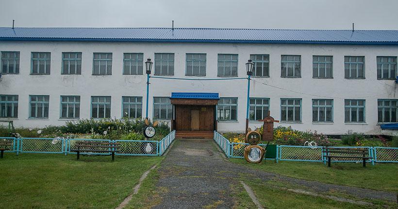 Губернатору Новосибирской области не понравилось состояние некоторых школ в регионе