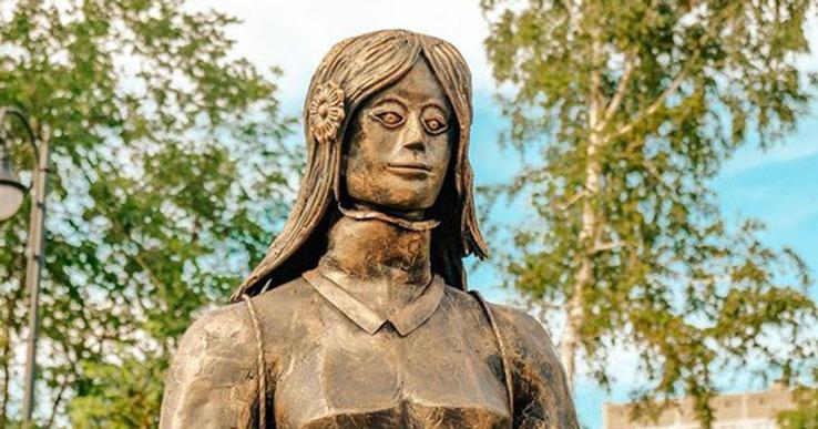 «Трое вышли из гроба»: Новосибирский краевед поставил вопрос о сносе «Аллеи друзей»