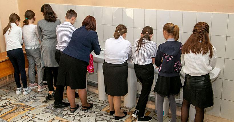 В Новосибирской области на карантин закрыли две школы и девять классов