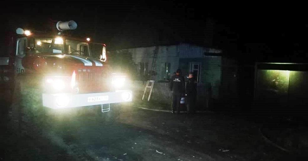 В Новосибирской области из горящего дома вынесли пять человек