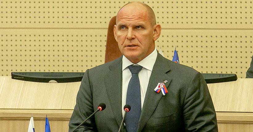 Депутат от Новосибирской области Александр Карелин досрочно покидает Госдуму