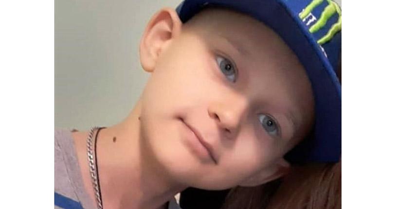 «Я как змея»: 9-летний новосибирец три года борется со страшной болезнью