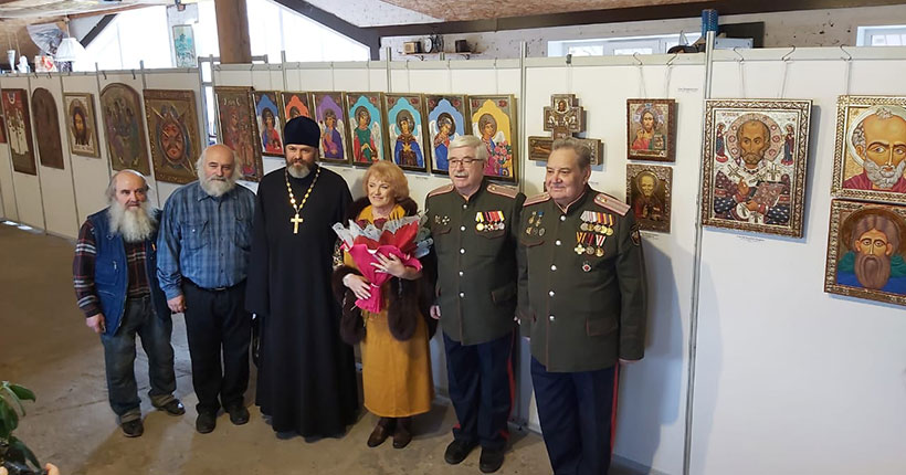 В Новосибирске открылась выставка резных и писаных икон