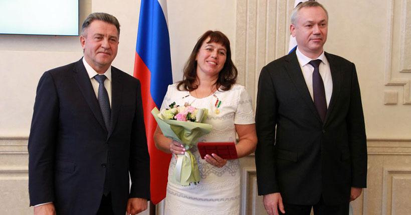 Многодетные матери Новосибирской области получили награды