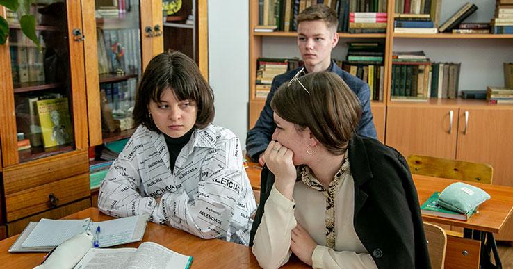 Школьники Новосибирской области могут уйти на каникулы раньше обычного