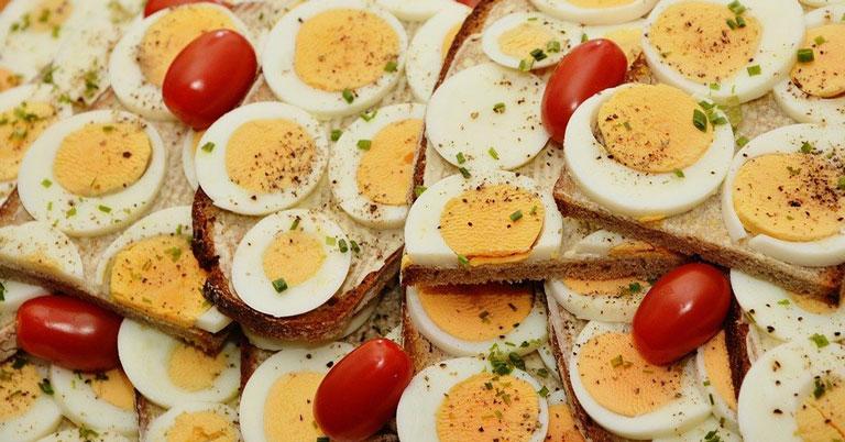 Каждый житель Новосибирской области съедает за год яиц больше, чем рекомендует минздрав