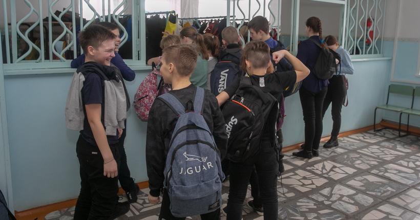 Школьники Новосибирской области уйдут на каникулы не раньше, чем обычно