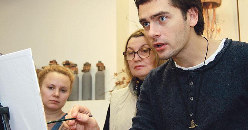 В художественном музее откроется студия рисования для взрослых «Палитры»