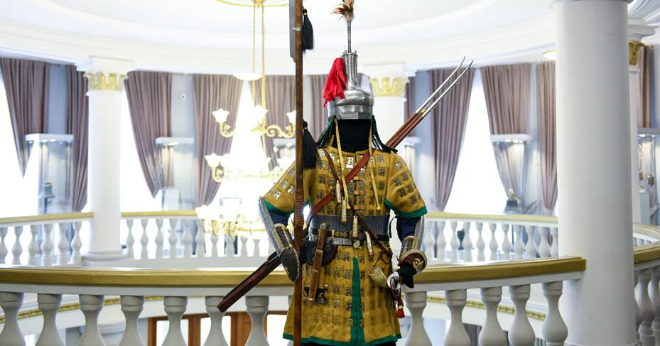 Бронза, шёлк и лосиный рог: знатного джунгарского воина можно увидеть в Новосибирске