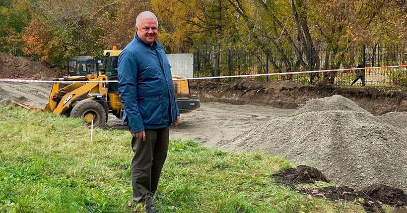 На территории Новосибирского онкодиспансера началось возведение нового корпуса