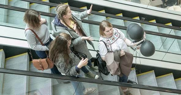 Школьникам Новосибирской области посоветовали не ходить в торговые центры
