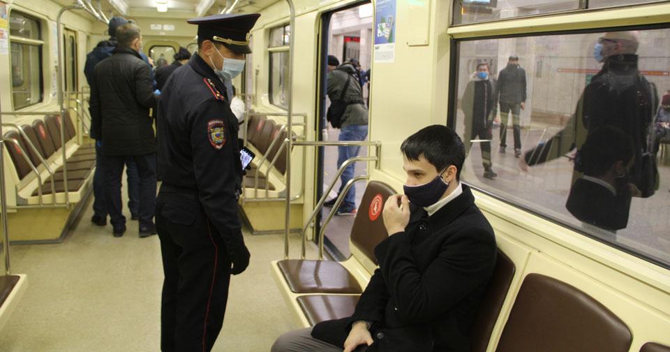 Их было 366 без масок: в Новосибирской области идёт борьба с беспринципными пассажирами