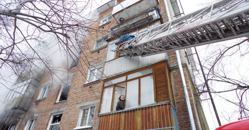 Огнеборцы МЧС с начала года спасли на пожарах 582 жителя Новосибирской области
