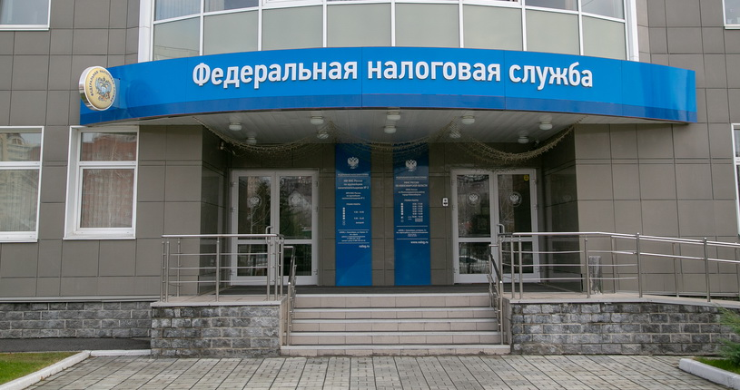 У новосибирских должников по налогам арестовывают дорогие автомобили