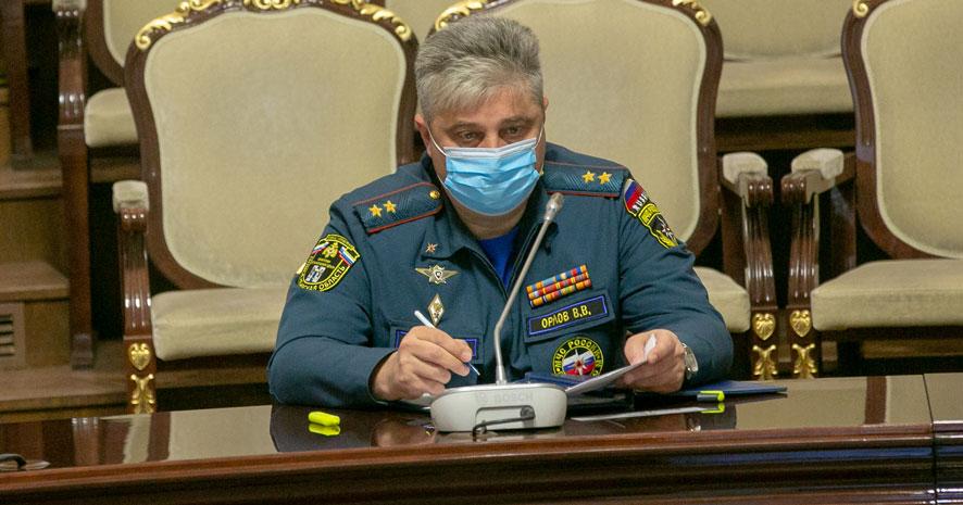 В Новосибирской области по просьбе МЧС из-за непогоды мобилизуют все службы