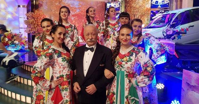 Ансамбль из Новосибирской области побывал на шоу «Поле чудес» в Москве